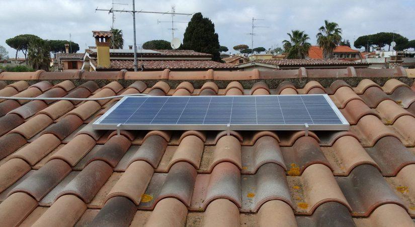 IZ0HCC 150 Watt - 12 Volt Solar Panel